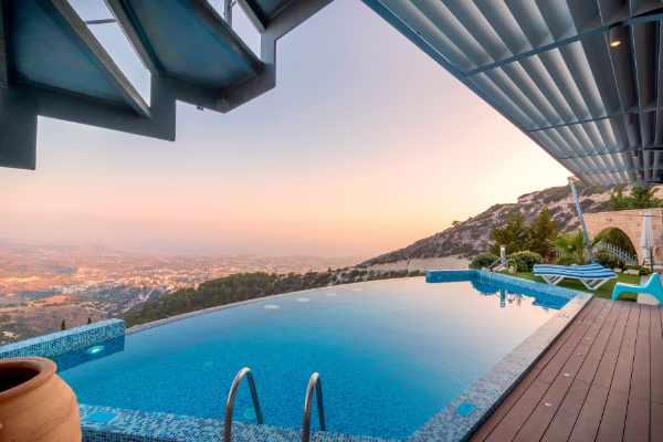Photo of an incredible swimming pool